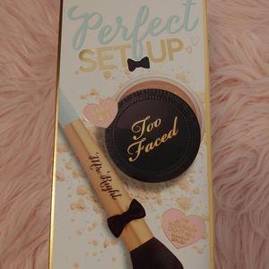 ❤NWT Too Faced Perfect SetUp Box Set